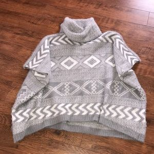 Sweaters - Women's Gray Sweater One Size Poncho